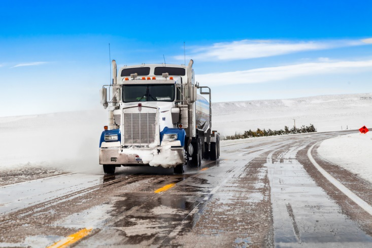 Knowing How to Be a Safer Trucker is vital during the winter