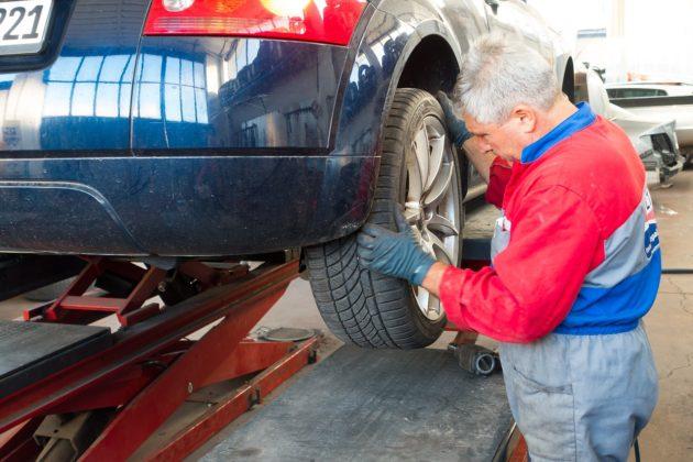 auto-repair-984946_1280