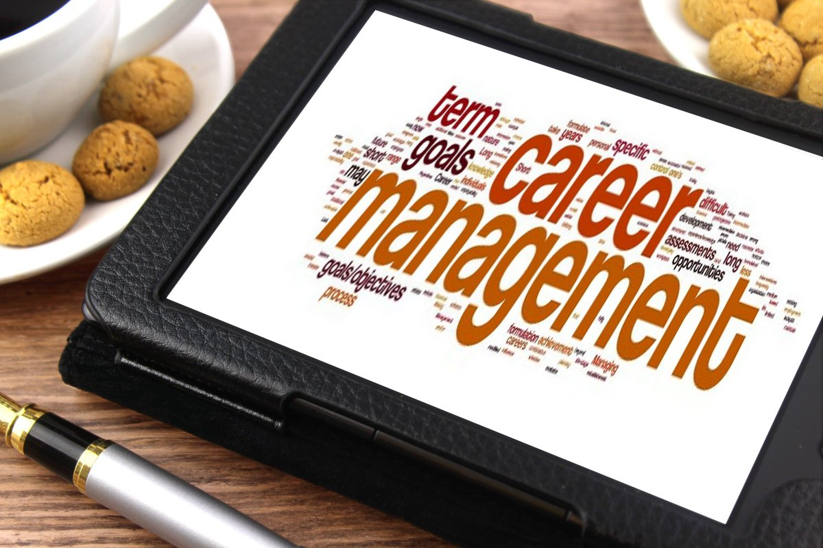 """choose career should be based on """"i know the career i want, but which major should i choose"""" research the industry visit the occupational outlook handbook to read about jobs in order to choose a major that will build a good foundation based on skills to be utilized."""
