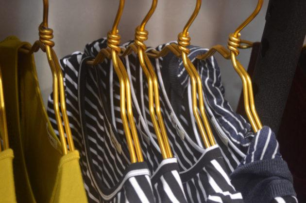 clothes-hangers-690x457