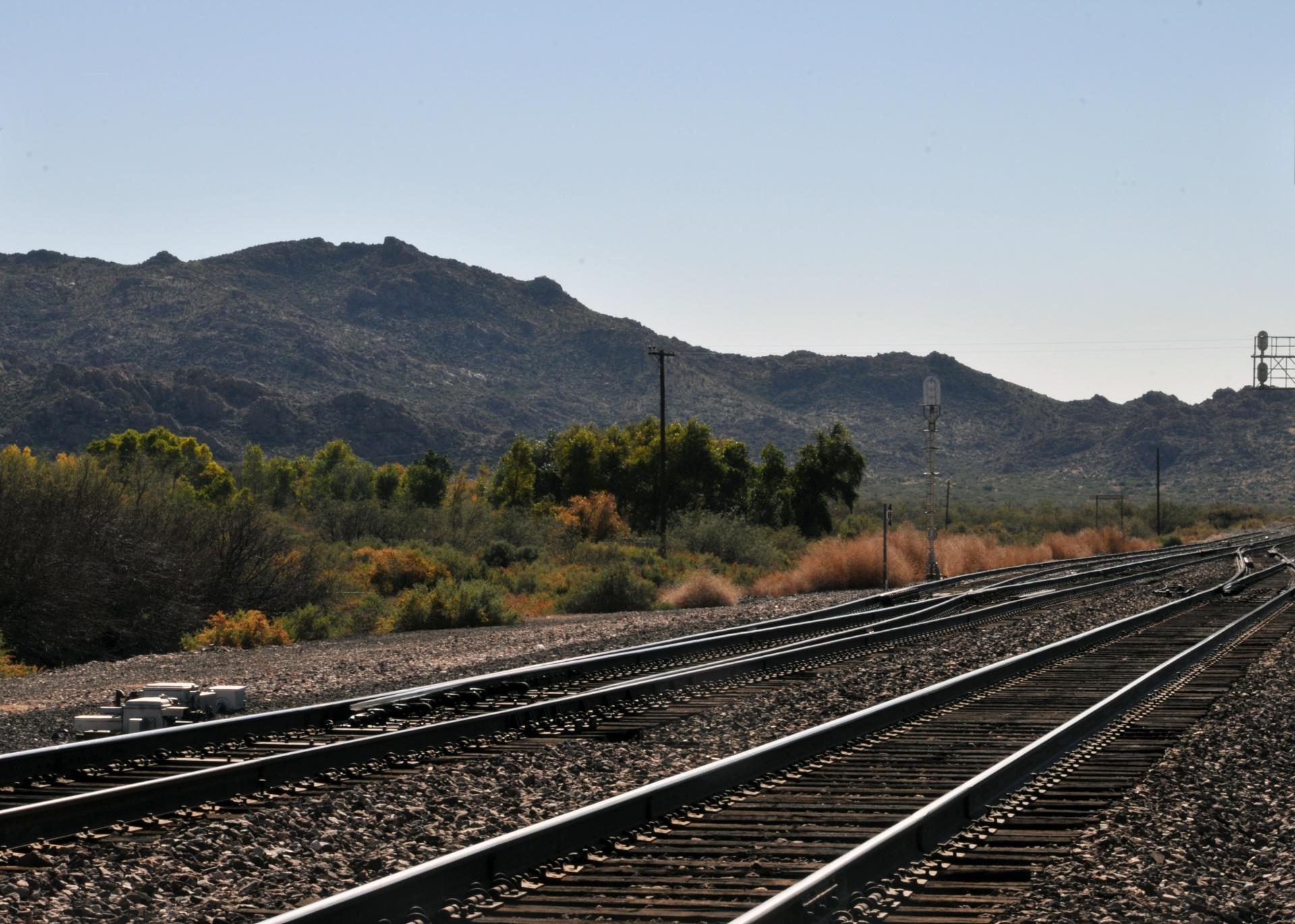 infinity-train-tracks
